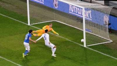 Joe Hart Italy v England 310315
