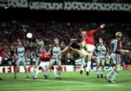 Teddy Sherinham scores for Manchester United in the 1999 Champions League final vs Bayern Munich