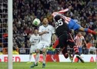 Diego López, Xabi Alonso y Miranda, Real Madrid - Atlético Madrid