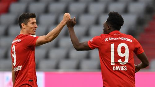 Lewandowski Davies Bayern Münih
