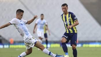 Mesut Özil Fenerbahçe Dinamo Kiev 4 Ağustos 2021