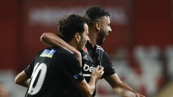 Oğuzhan Özyakup Rachid Ghezzal Beşiktaş gol sevinci 18 Eylül 2021