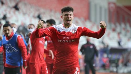 Gökdeniz Bayrakdar Antalyaspor