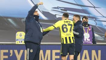 Mesut Özil sakatlık 4 Mart 2021