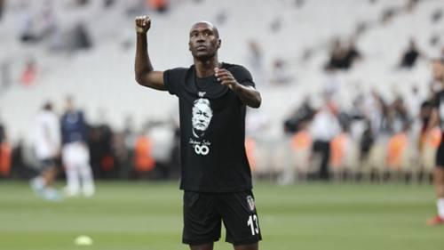 Atiba Hutchinson Beşiktaş 2021-22