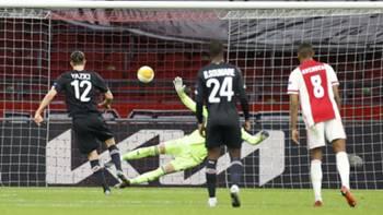 Yusuf Yazıcı Penaltı Golü v Ajax 25 Şubat 2021