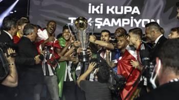 Beşiktaş şampiyonluk kutlaması kupa töreni Atiba Necip