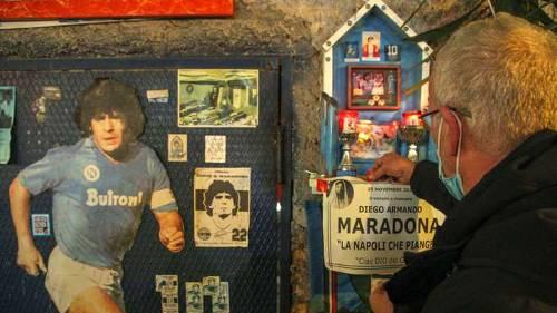Maradona Poster İtalya 11252020