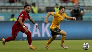 Umut Meraş Daniel James Türkiye Galler EURO 2020 16 Haziran 2021