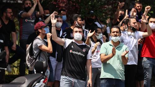 Beşiktaş taraftar Sergen Yalçın eylem