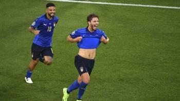 Manuel Locatelli gol sevinci İtalya EURO 2020