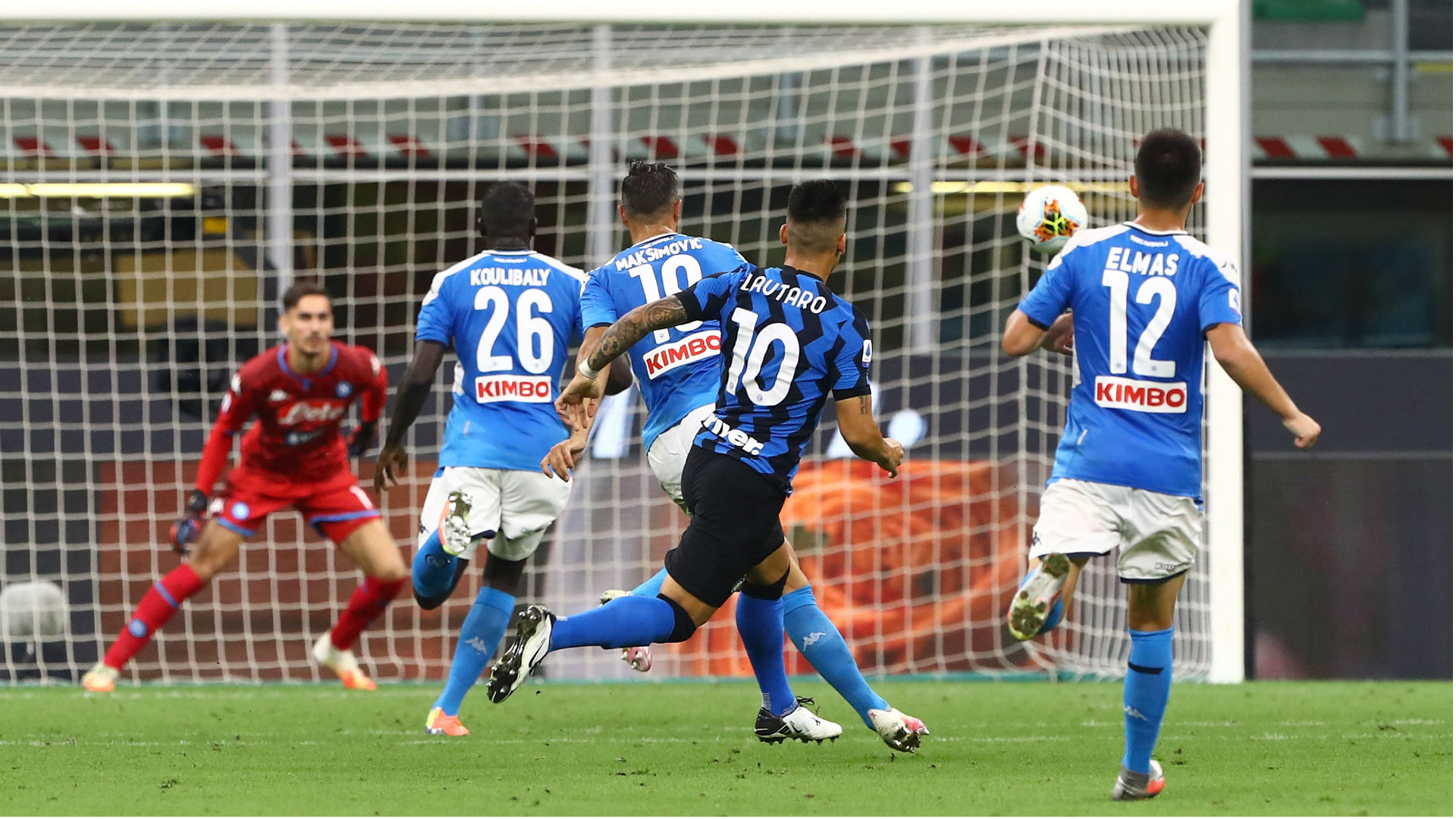 Gomez winner pulls Atalanta second in Serie A