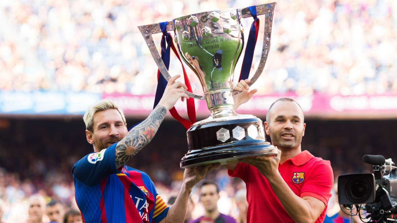 lionel messi andres iniesta - cropped