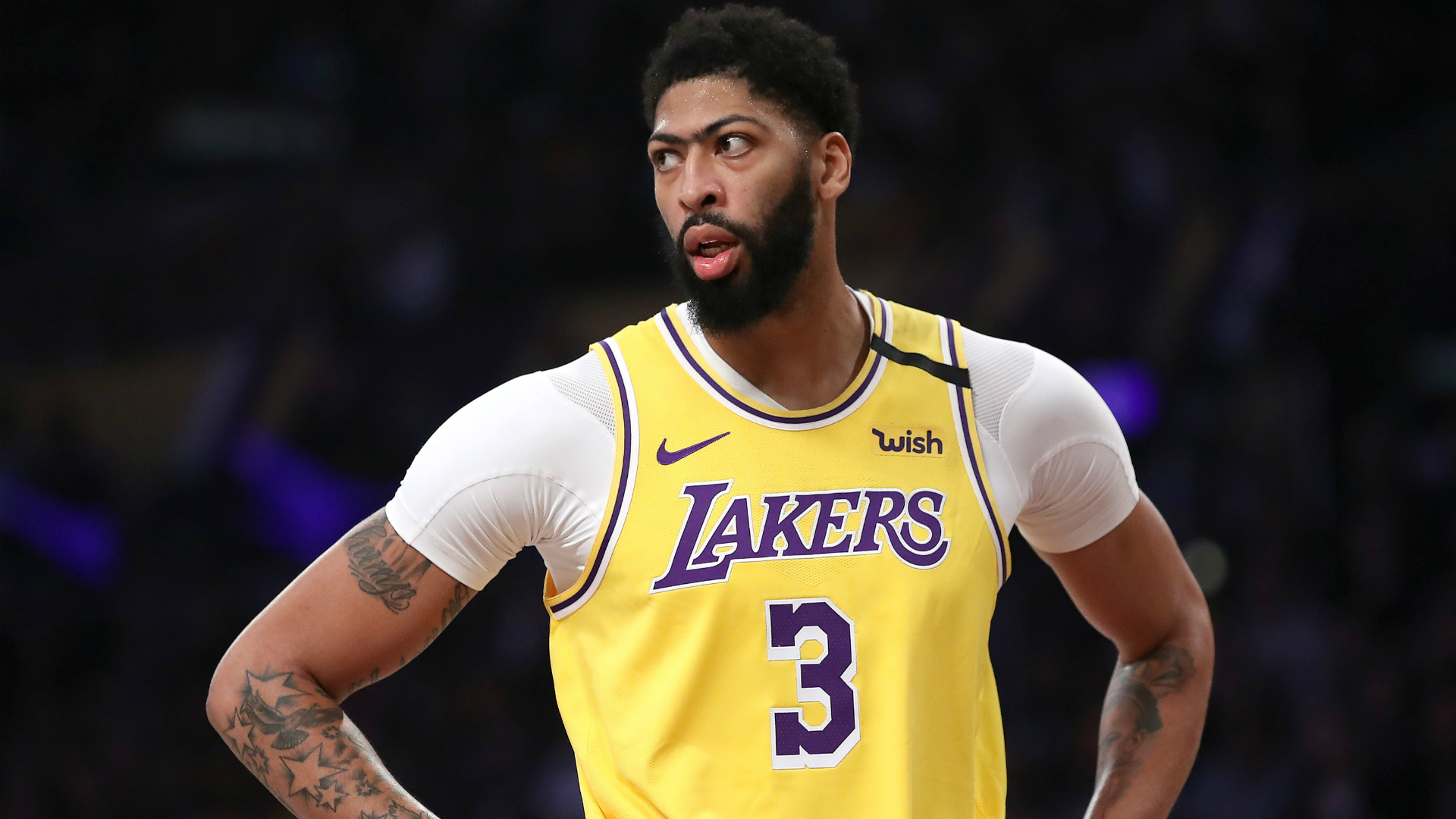 Lakers' Anthony Davis primed to face Clippers in NBA's return after practicing in goggles 1