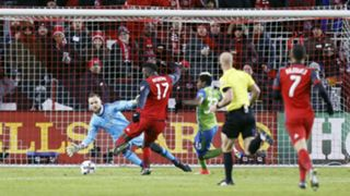 Altidore - cropped