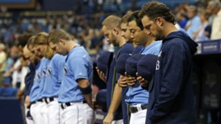 Rays players observe moment of silence