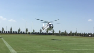 Jerry Jones takes helicopter to work