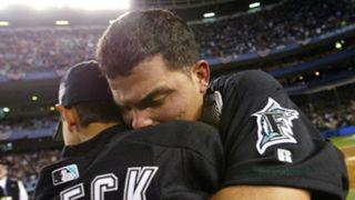 Ivan Rodriguez hugs Dereck in 2003.