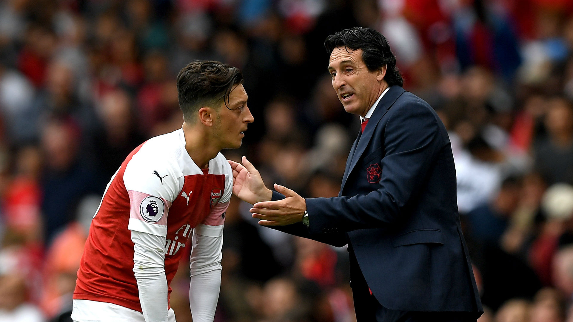 Why Unai Emery sidelined Mesut Ozil in Arsenal