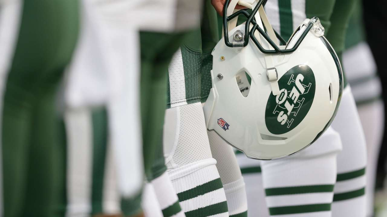 Jets-helmet-USNews-110118-ftr-getty