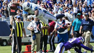 DeMarco Murray leaps into the end zone