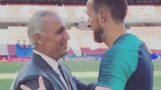 Hristo Stoichkov and Harry Kane - cropped