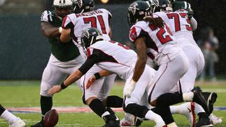 Falcons-Fumble-102917-USNews-Getty-FTR