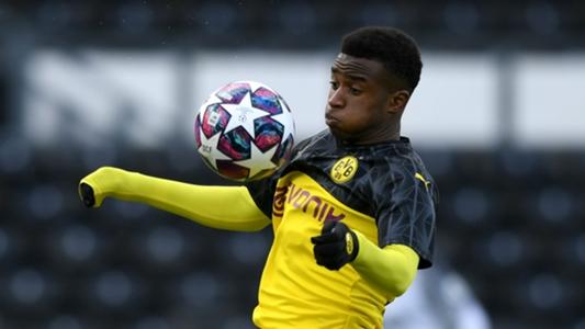HLV Favre chuẩn bị đưa cầu thủ... 15 tuổi lên đội một Dortmund | Goal.com - kết quả xổ số đồng tháp