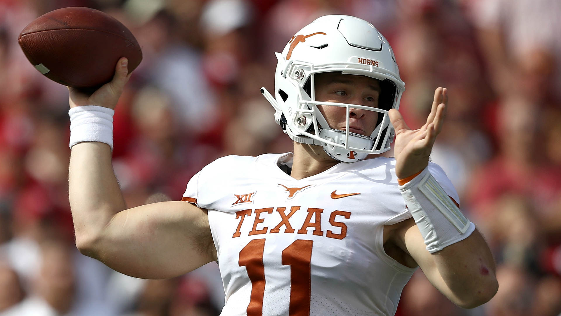 Texas Qb Sam Ehlinger Has Sprained Shoulder Sporting News