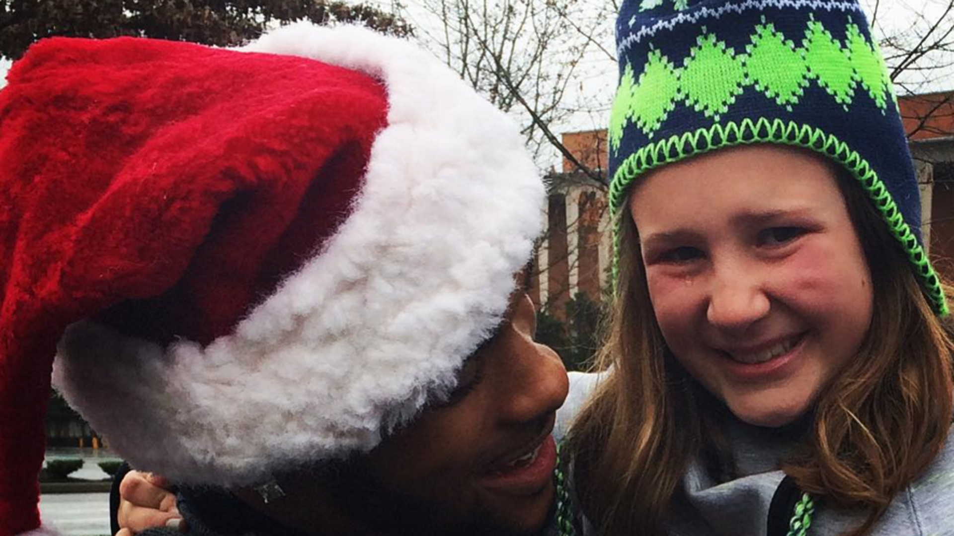 Kid freaks out over Thomas Rawls jersey, Rawls shows up at her ...