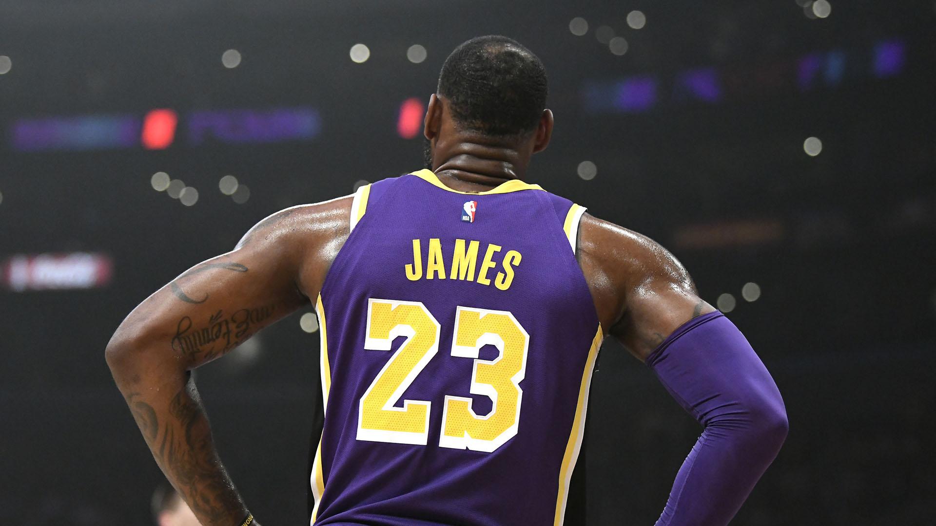 Lebron James Passes Michael Jordan On Scoring List Sporting News