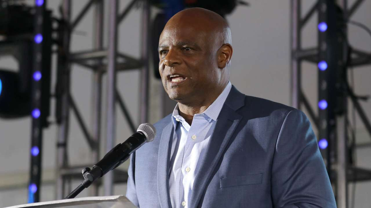 Warren-Moon-120617-USNews-Getty-FTR