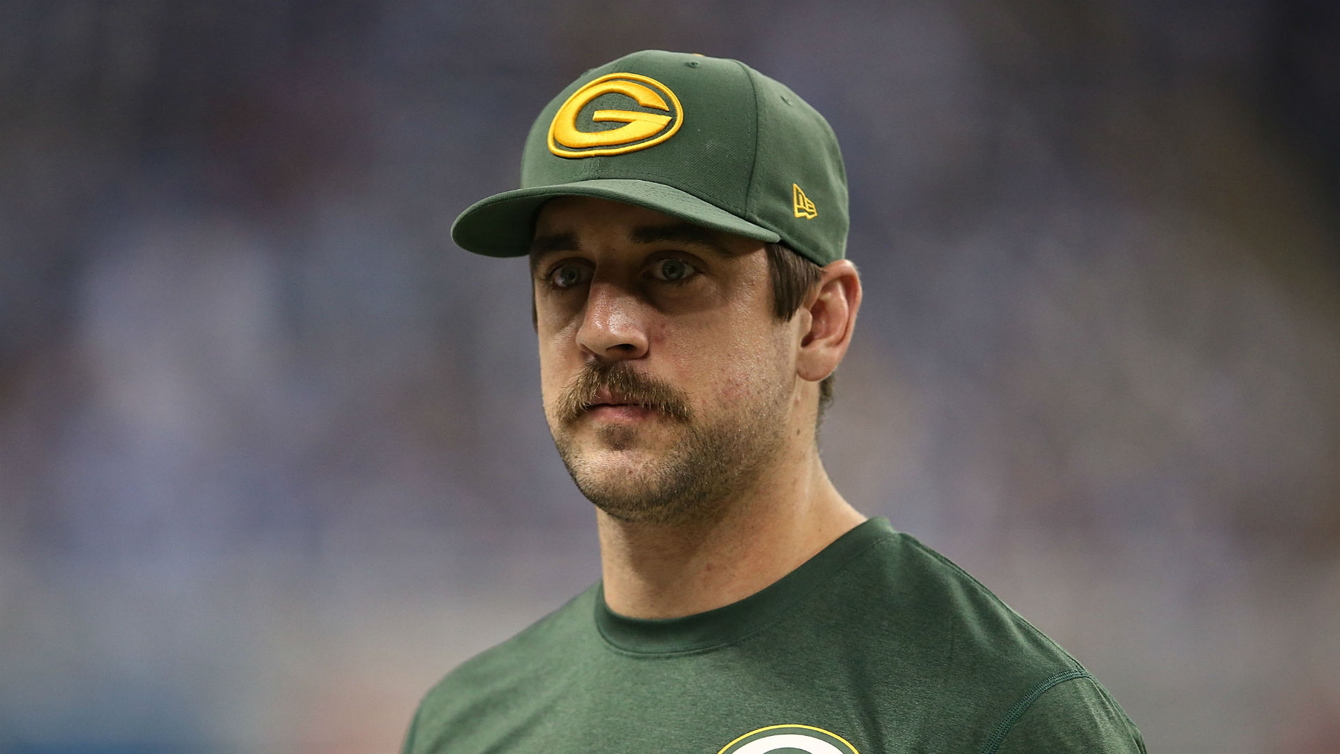 Packers Aaron Rodgers Feels Colts Fans Should Ve Given Andrew Luck A Standing Ovation Sporting News