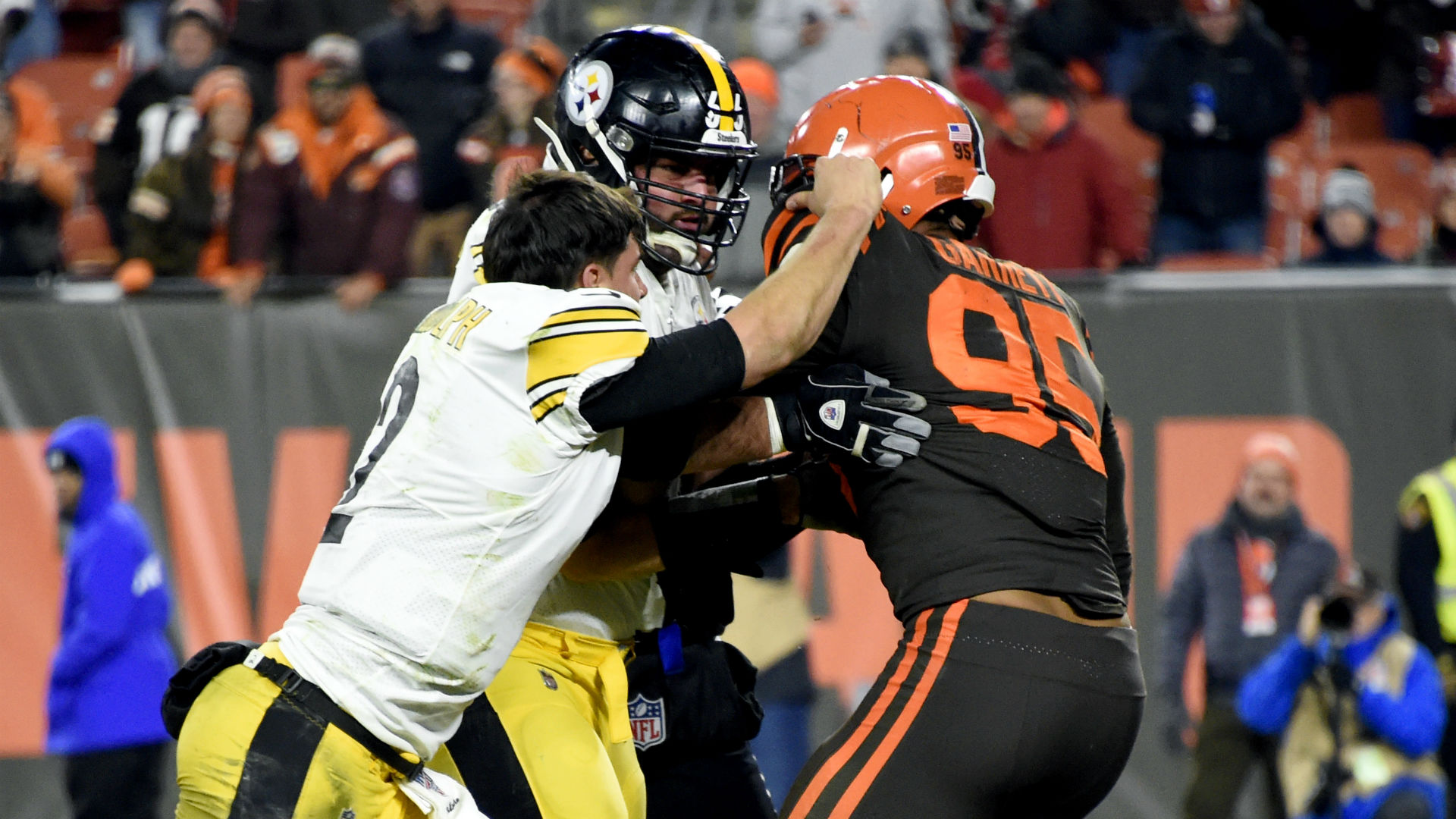 Myles Garrett after signing record contract: Mason Rudolph incident 'a small bump in the road' 1