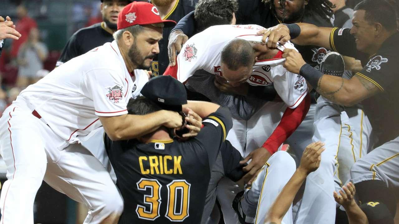 Reds and Pirates brawl