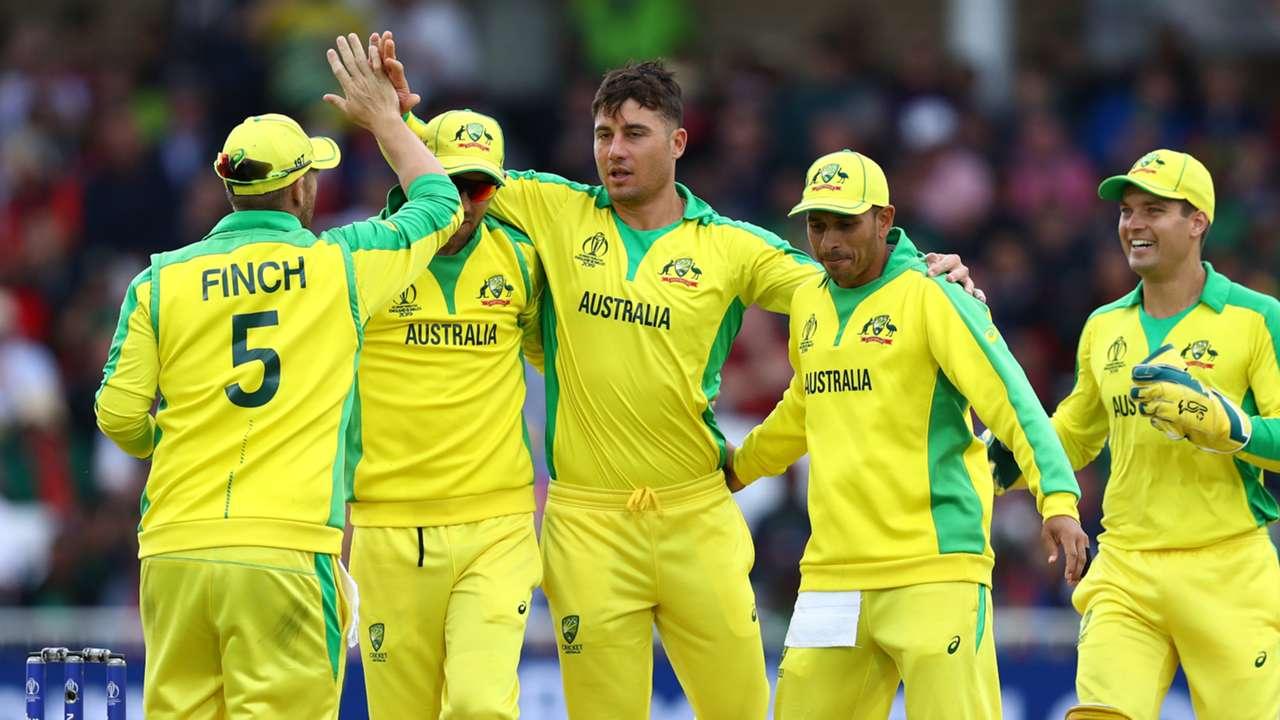 Australia players celebrate - cropped