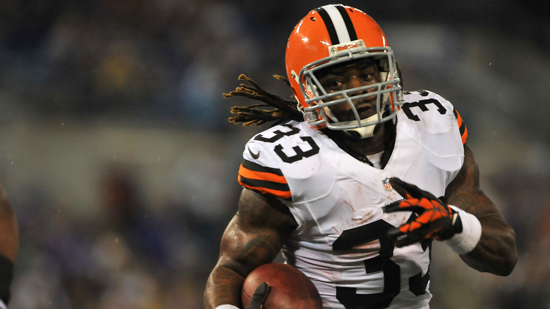 Trent Richardson signs with upstart football league | Sporting News