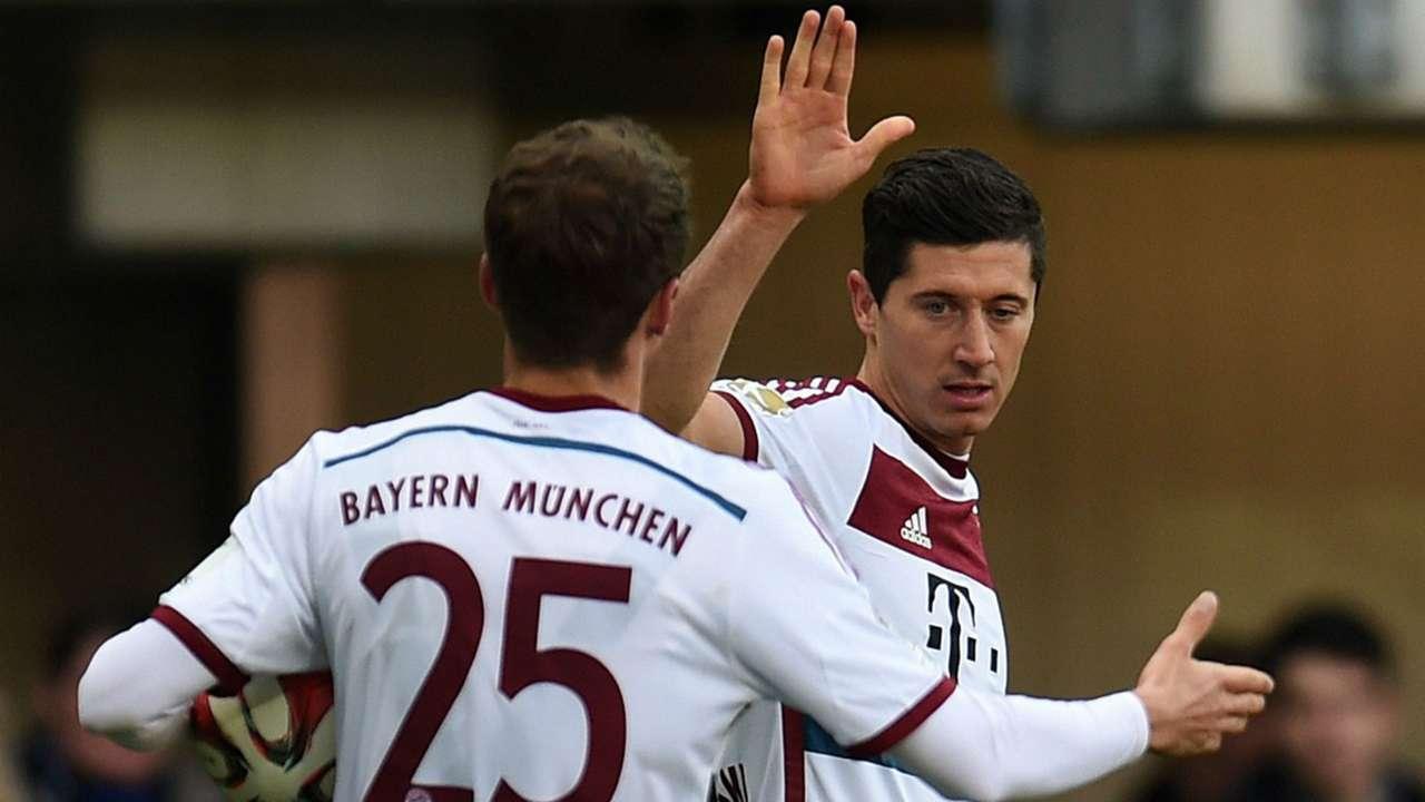 Thomas Muller and Robert Lewandowski - cropped