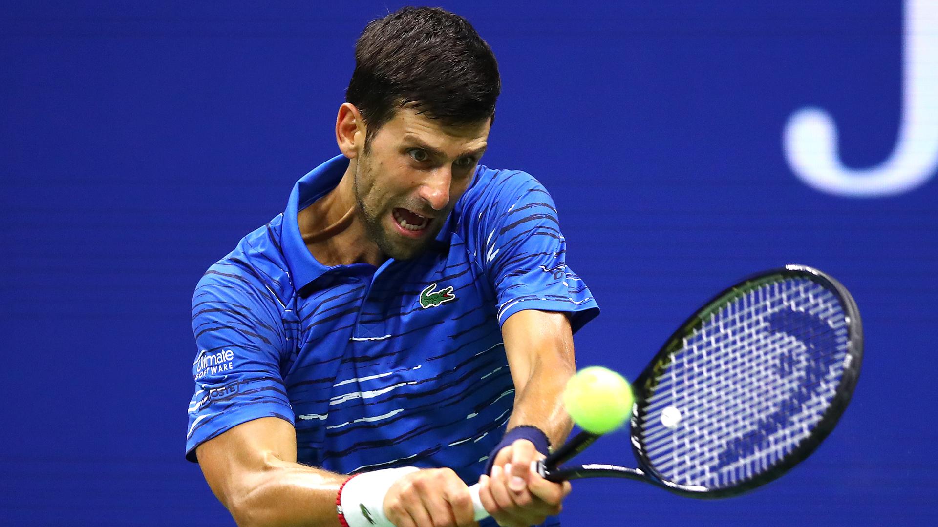 U S Open 2019 Novak Djokovic Struggles With Shoulder Injury In Win Over Juan Ignacio Londero Sporting News Canada