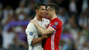 Cristiano Ronaldo and Robert Lewandowski - cropped