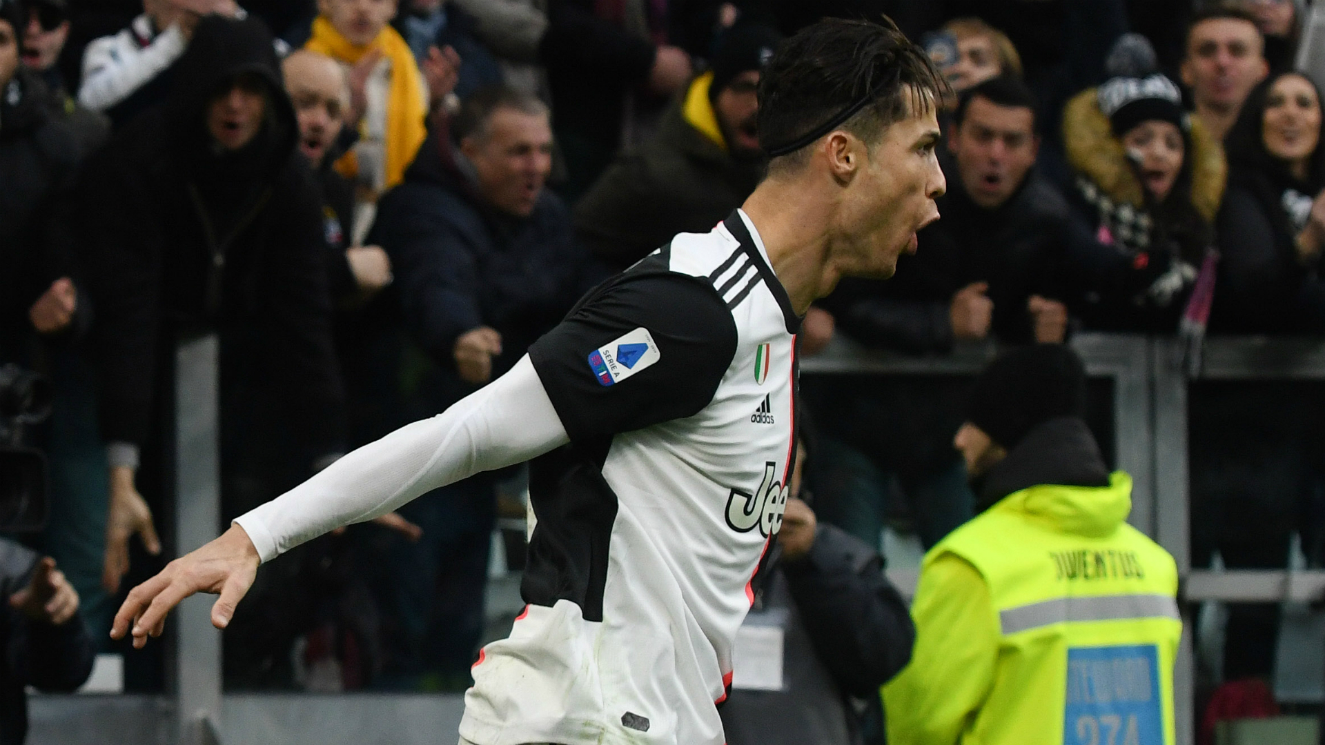 Cristiano Ronaldo scores superhuman header for Serie A leaders Juventus