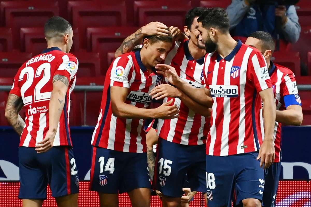 Atletico Madrid 2-0 Real Betis: Llorente and Suarez strike as Simeone's men set new club record | Goal.com