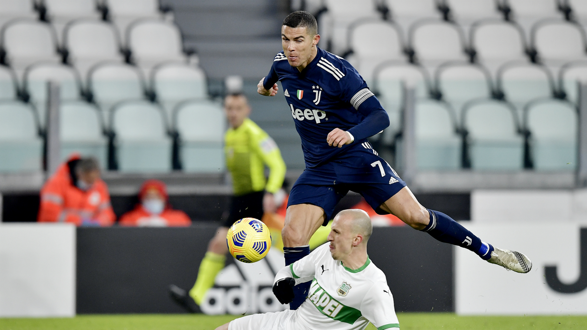 Juventus 3-1 Sassuolo: Ronaldo puts gloss on Serie A victory over 10 men