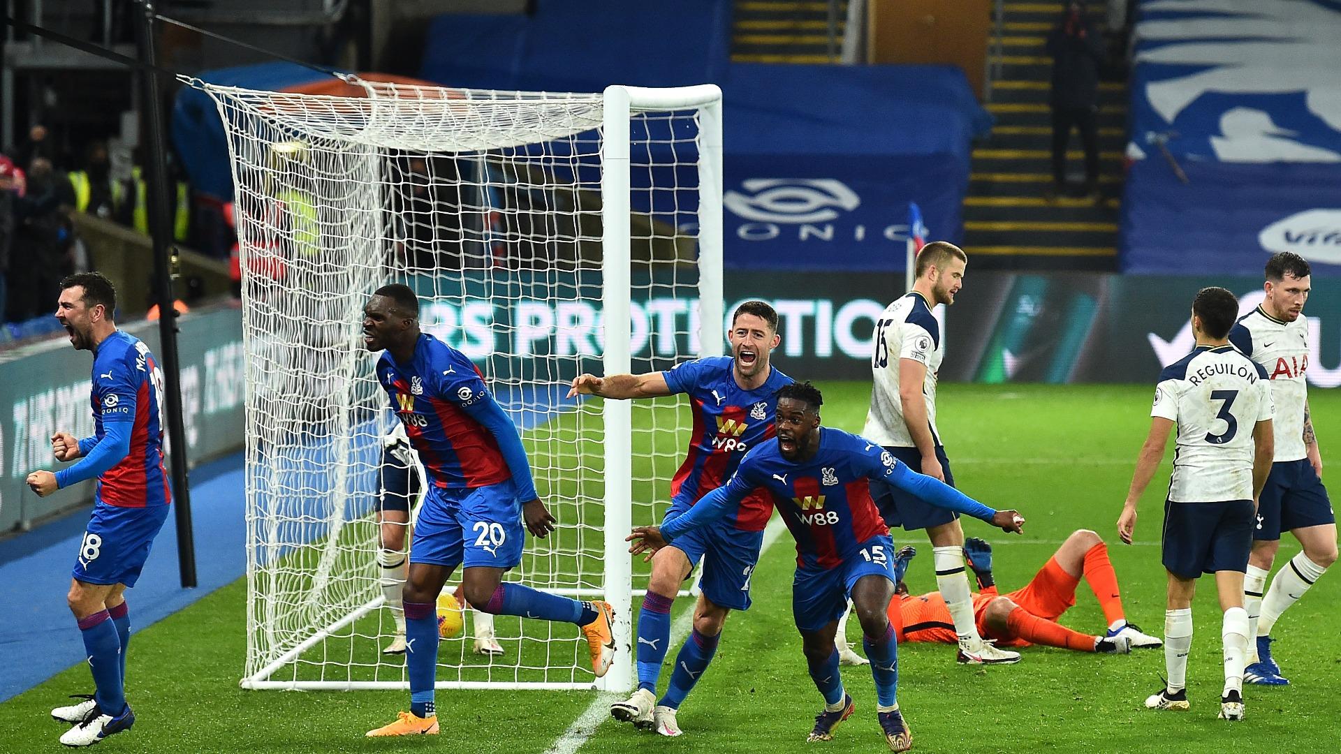 Late Schlupp strike sees Palace deny Tottenham