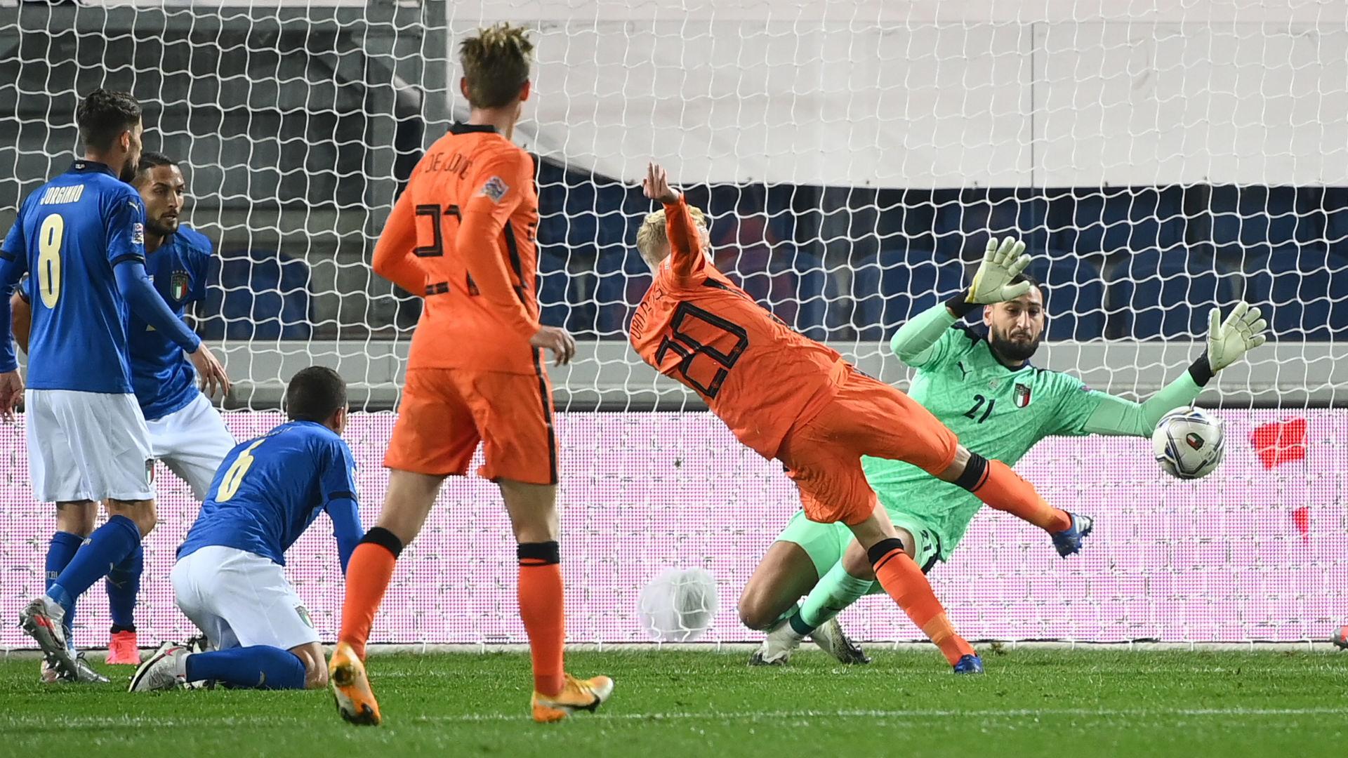 Italy 1-1 Netherlands: Van de Beek off the mark but Poland go top