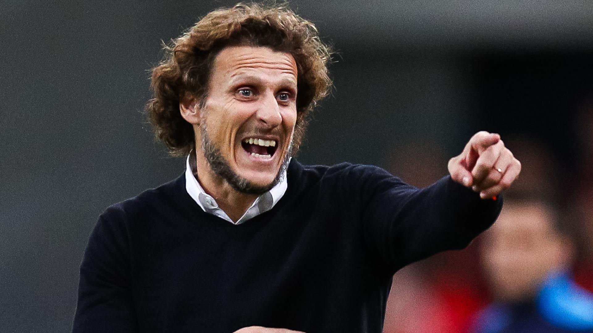 Penarol sack former Man Utd striker Forlan after 11 games in charge