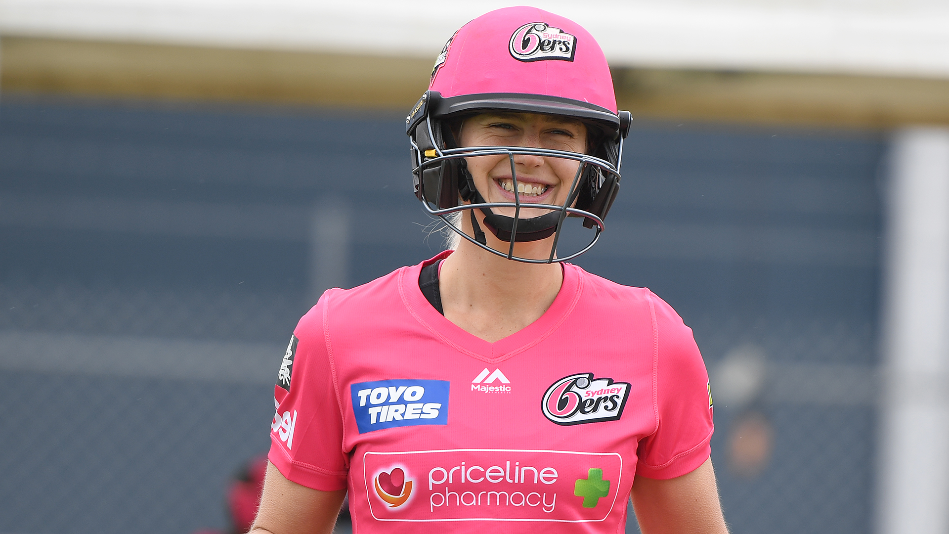 WBBL05: Ellyse Perry smashes windscreen in another unbeaten innings