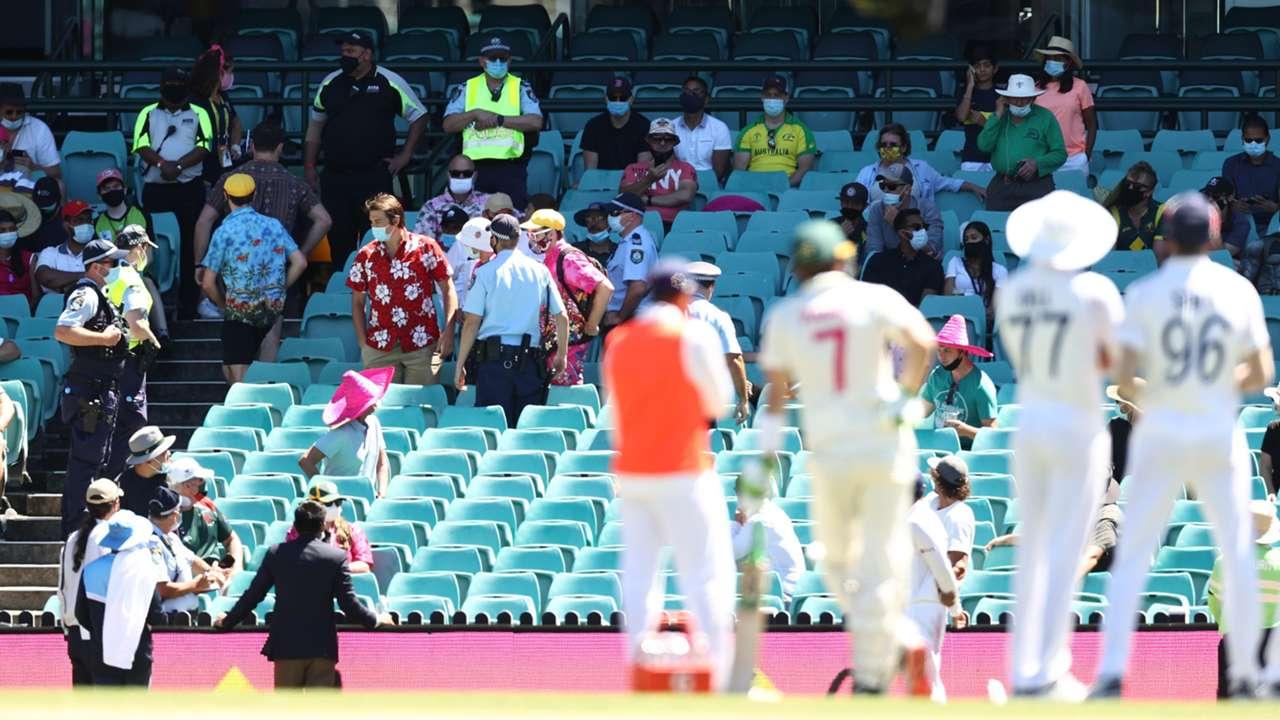 Australia India spectators