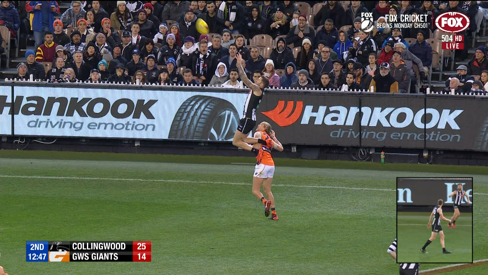 Collingwood vs GWS Giants: Jeremy Howe takes another epic ...
