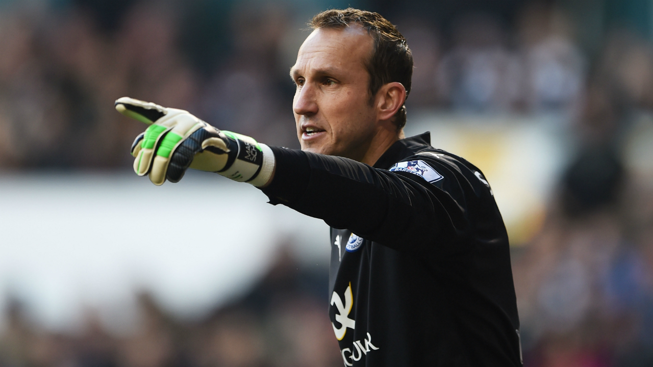 Mark Schwarzer reveals the English club that tried luring him out of retirement
